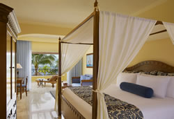 Preferred Club Honeymoon Suite Ocean Front