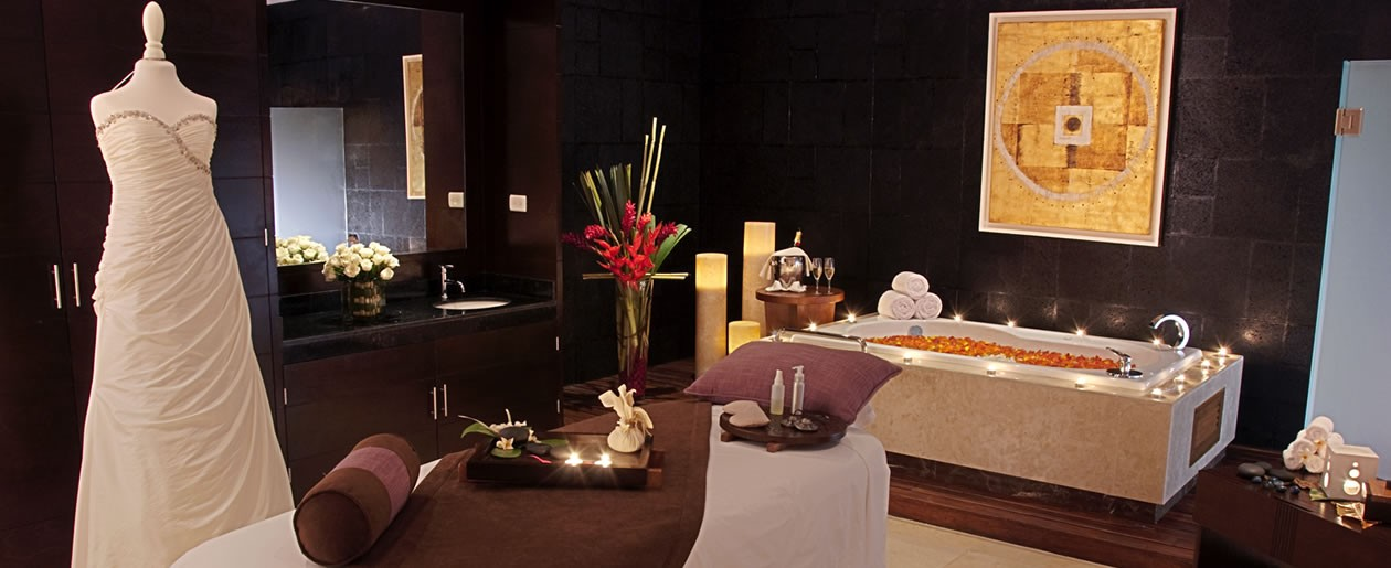 Prepare for the best day of your life at the Azul Five Hotel Bridal Spa Suite.