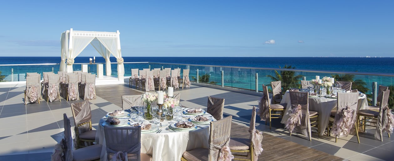 Azul Fives Hotel, by Karisma offers 7 five star inclusive destination wedding packages - some complimentary.