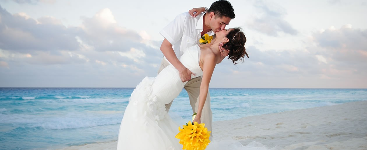 Customize your day, your way at the Beach Palace Cancun for destination weddings.