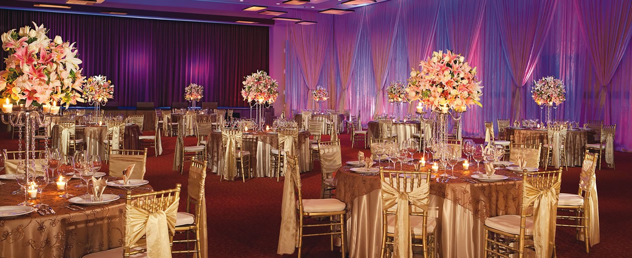 A stunning group set-up shot in the Ballroom of Dreams Riviera Cancun.