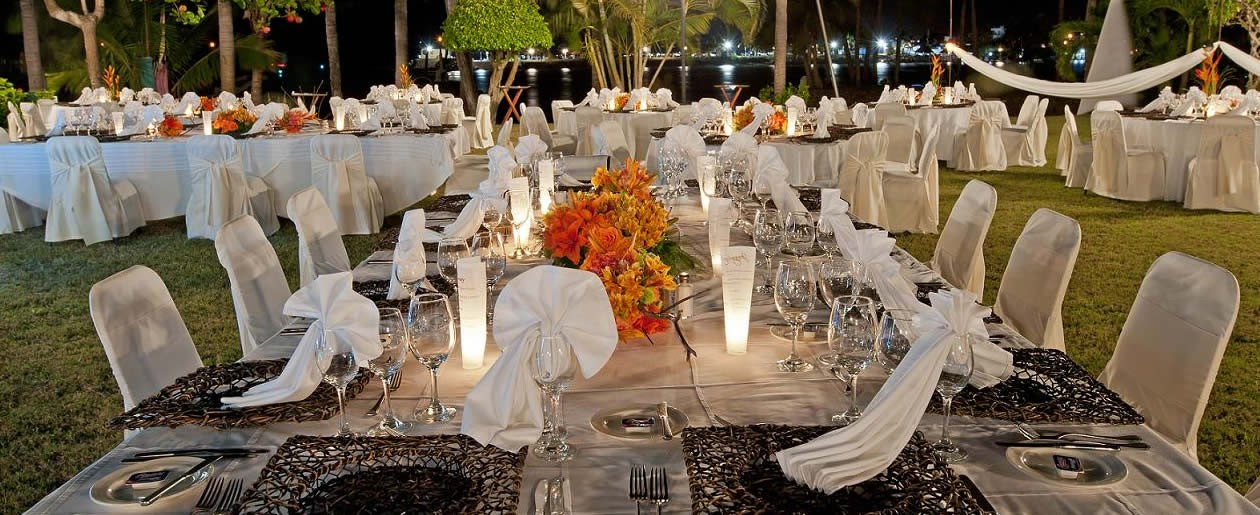 A beautiful reception wedding setup at the Grand Isla Navidad Resort.