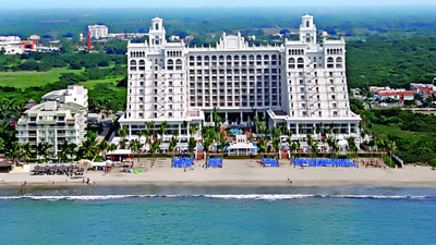 Riu Palace Pacifico wedding resort for families
