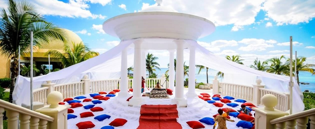 Have a traditional Indian wedding under a spectacular wedding gazebo setup at the Barceló Resorts.