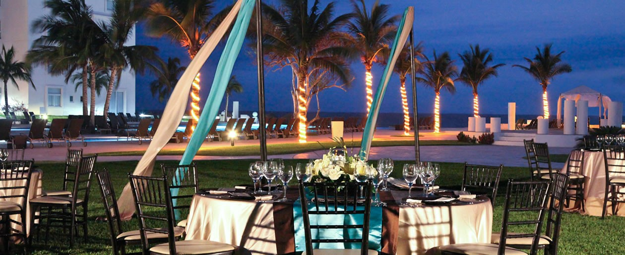 A elegant nighttime reception set-up with fabulous views of the Banderas Bay.