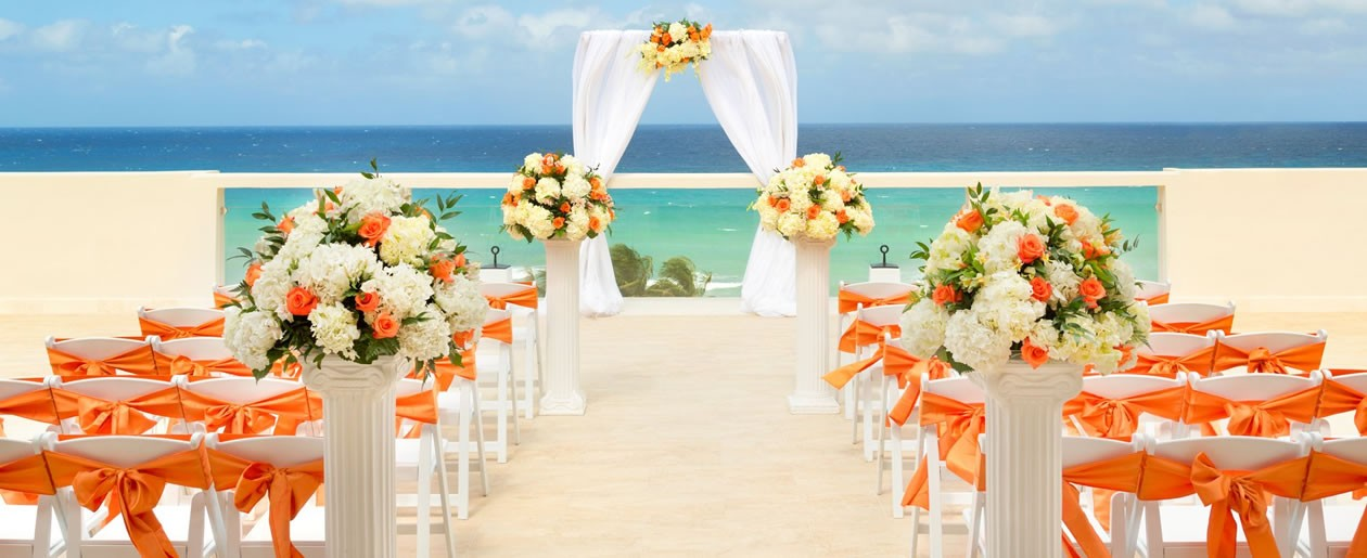 For your wedding, we believe the destination should be nothing short of spectacular.