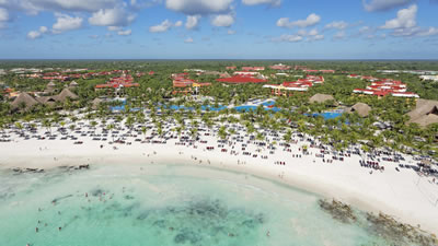 Barceló Maya Beach Resort family-friendly wedding resort