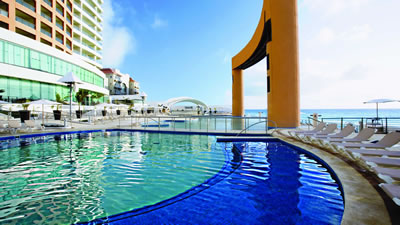 Beach Palace Cancun all inclusive wedding resort for families