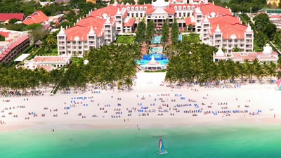 Riu Palace Riviera Maya wedding resort for families